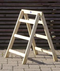 Tapezierbock aus Holz