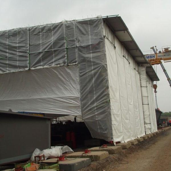 Schnettkerbruecke fahrbares Schutzzelt - Montagehalle fuer Stahlbruecke