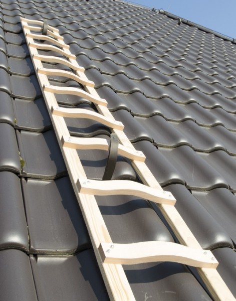 Dachdecker-Auflegeleiter aus Holz