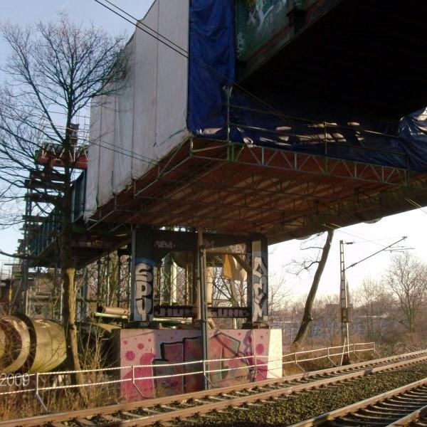 Eliasbruecke Dortmund - Fahrbares Haengegeruest zur Brueckensanierung
