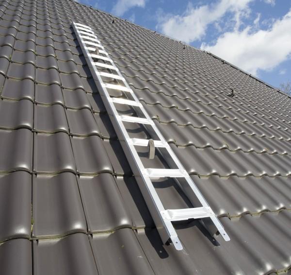 Premium Dachdecker-Auflegeleiter mit Sicherheitssprosse